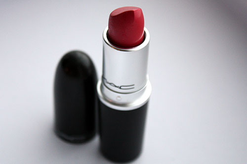 MAC pink lipstick in Speak Louder